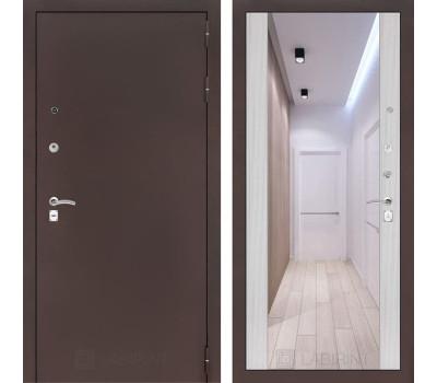Входная дверь Лабиринт Классик с Зеркалом Максимум (Антик медный / Сандал белый)